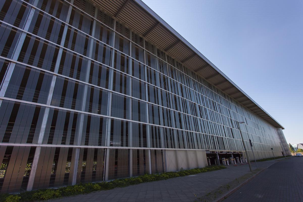 Mercedes Benz Arena Parkhaus